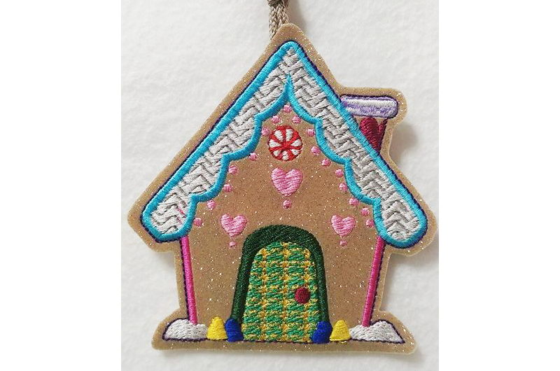 Hatch_Free_Designs_Images_800x530_Gingerbread_Houses3